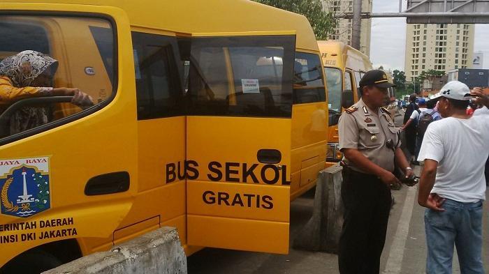 Cukup Pakai Seragam, Pelajar Jakarta Gratis Naik 176 Bus Sekolah, Ini 20 Rutenya