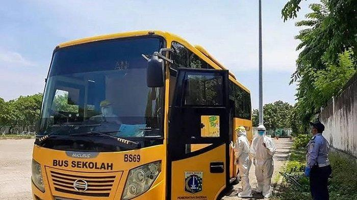 Bus sekolah yang dikelola UPAS Dinas Perhubungan DKI Jakarta telah mengantar sebanyak 1.468  pasien positif Covid-19 ke tempat isolasi yang ditunjuk Pemprov DKI Jakarta.