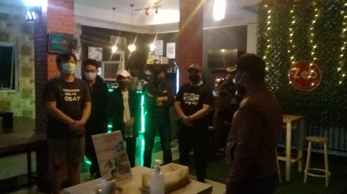 Sejumlah Kafe di Kawasan Lippo Karawaci Tangerang Disegel karena Melanggar PPKM