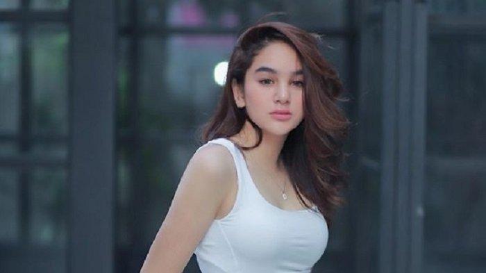 VIDEO Hana Hanifah Nangis Minta Maaf, Tarif Rp 20 Juta, Telanjang, Setahun Geluti Prostitusi Online