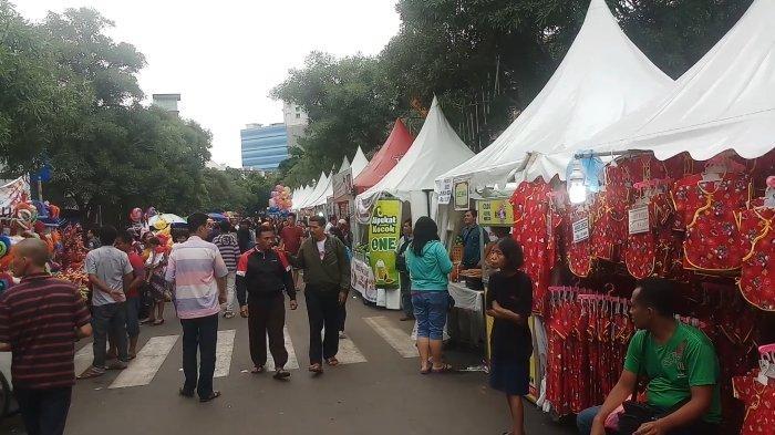Pedagang dalam Perayaan Cap Go Meh Glodok Senang karena Raup Banyak Keuntungan