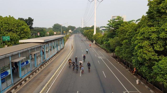 Sejak Minggu Pagi, Pesepeda dan Pejalan Kaki Berdatangan di Jalan Pemuda Rawamangun, Ada Apa?