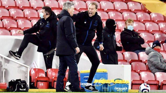 Asisten pelatih Everton, Duncan Ferguson meluapkan kegembiraan di laga Derby Merseyside