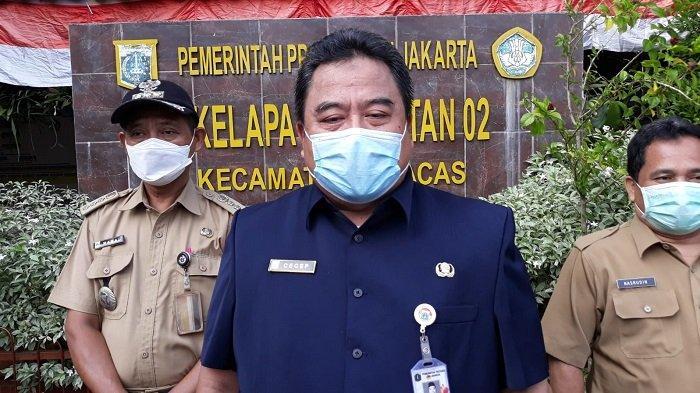 Setelah PTM Kemarin, SDN 02 Kelapa Dua Wetan Semprot Disinfektan Hari Ini