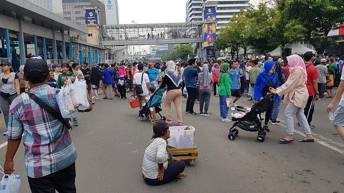 VIDEO: Car Free Day Usai HUT Jakarta, Warga di Sudirman Thamrin Membeludak