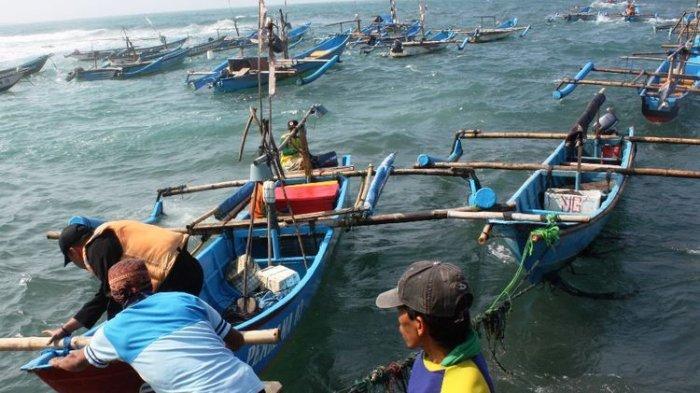 Melalui UU Ciptaker, Pemerintah Diharapkan Perhatikan Upah Minimum Awak Kapal Perikanan