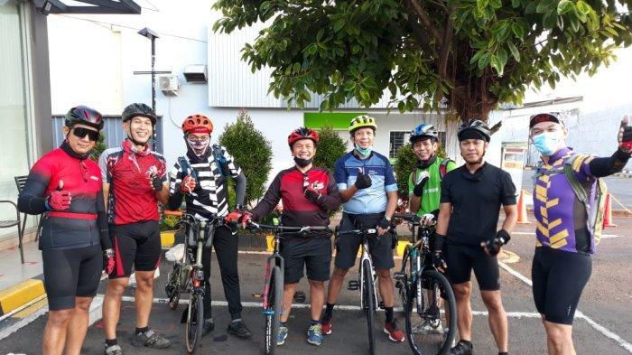 Bersepeda Mengitari Gunung Salak, Menemukan Kembali Kebersamaan di Atas Sepeda