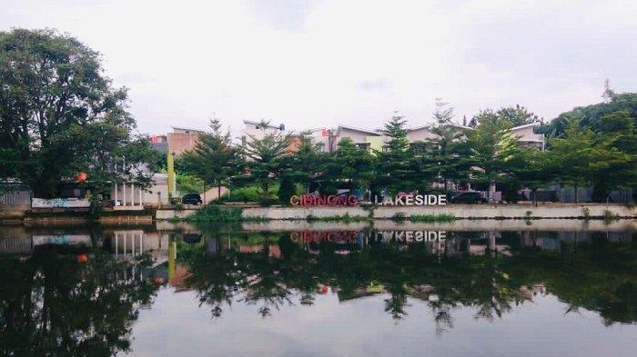 Situ Cibinong di Cibinong Lakeside,  Cibinong, Kabupaten Bogor, menjadi tempat berkumpul masyarakat sekitar untuk berwisata dan berolahraga.