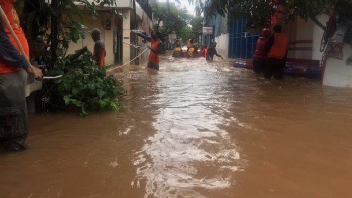 UPDATE Banjir Jakarta Minggu, BPBD DKI: Pintu Air Angke Hulu Masih SIAGA 1, Sunter Hulu Siaga 2