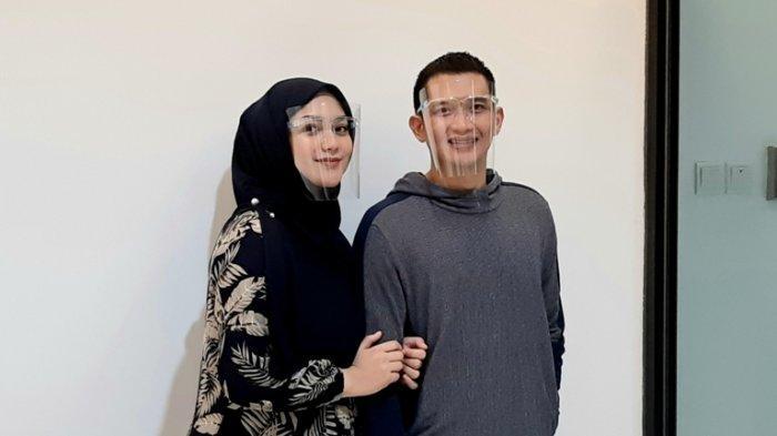 Citra Kirana dan Rezky Aditya di Rumah Sakit Bina Medika Bintaro, Tangerang Selatan, Minggu (30/8/2020) malam.