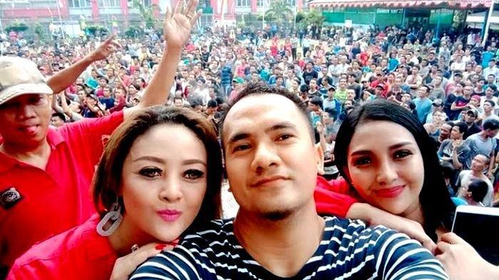 Citra Yunita saat bersama Saipul Jamil di panggung hiburan puncak perayaan HUT ke-74 RI di Lembaga Permasyarakatan Cipinang, Jakarta Timur, Kamis (22/8/2019).