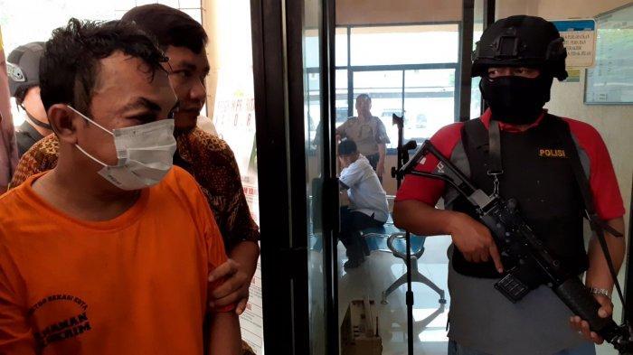 VIDEO: Kesiangan Beraksi, Pelaku Pencurian Motor di Jakasampurna Bekasi Babak Belur Dikeroyok Masa