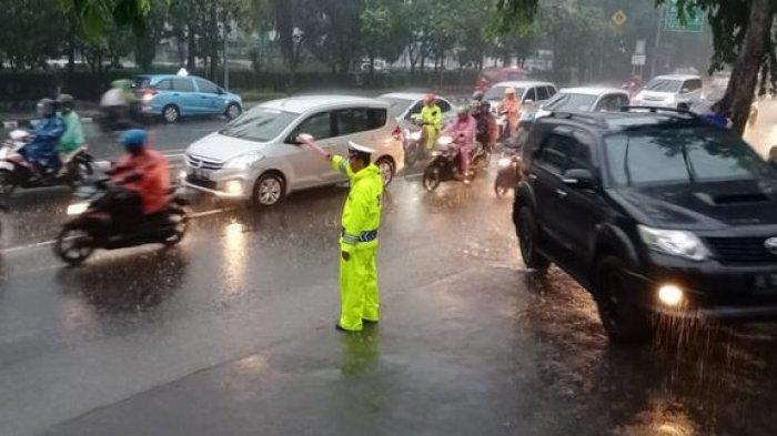 Cuaca Rabu 26 Februari 2020 Sebagian Jakarta Hujan Siang, Waspada Hujan Petir pada Dini Hari