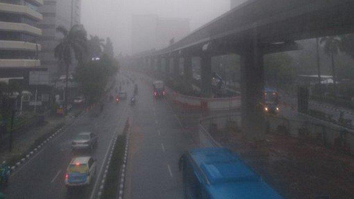 UPDATE Prakiraan Cuaca Jakarta Minggu, 22 November 2020: Sebagian Besar Wilayah DKI Siang Hujan