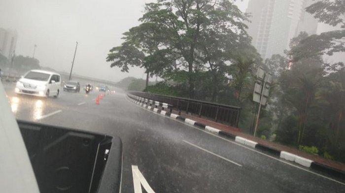 Peringatan Dini BMKG Kamis, 24 Desember 2020: Jakarta Hujan Disertai Angin Kencang dan Petir