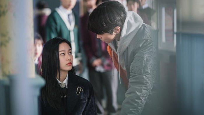 Spoiler True Beauty Episode 13, Seo Jin Balas Dendam Edarkan Foto Lawas Ju Gyeong