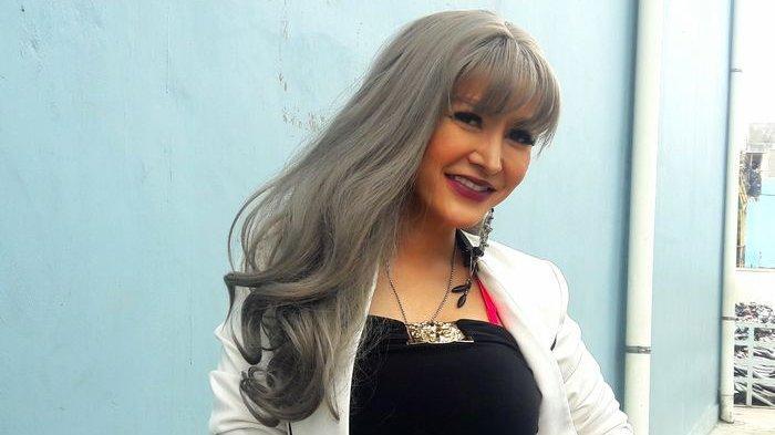 Alasan Bintang Film Cynthiara Alona Lakukan Operasi Plastik Perbesar  Payudara - Warta Kota
