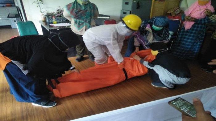 Relawan Pemulasaran Jenazah Covid-19 Kota Depok Keluhkan Minimnya Peralatan