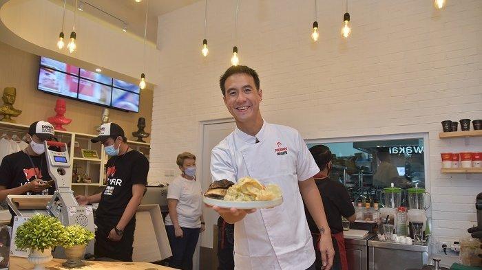 Daniel Mananta saat memperkenalkan tiga inovasi baru dari DAMN! I Love Indonesia yang salah satunya Restoran Padamu Negeri di Kebayoran Baru, Jakarta Selatan, Kamis (18/3/2021).