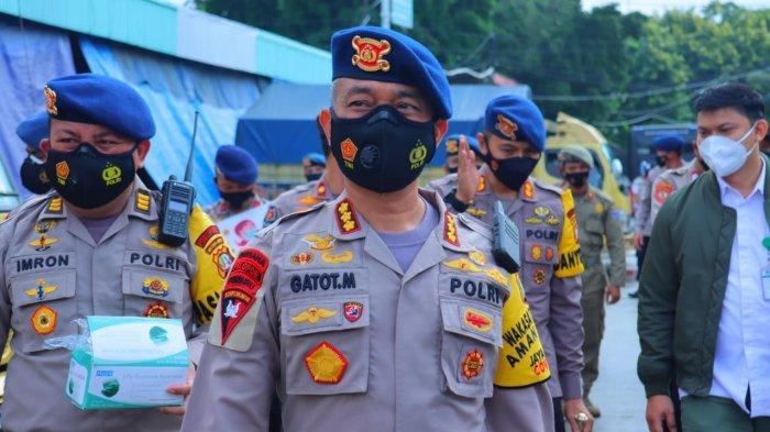 Jakarta Bermasker, Batalyon B Pelopor Satbrimob PMJ Bagikan 2000 Masker di PIBC