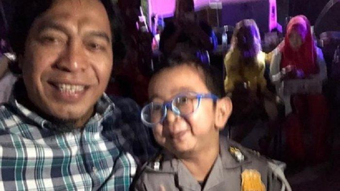 Hari Anak Nasional, Komeng Bikin Penggemar Ngakak saat Unggah Foto Bersama Daus Mini