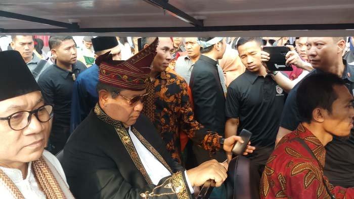 Pendukung Jokowi Bawa Atribut Partai di Deklarasi Damai, Sekjen Partai Demokrat: Kami Protes Keras!