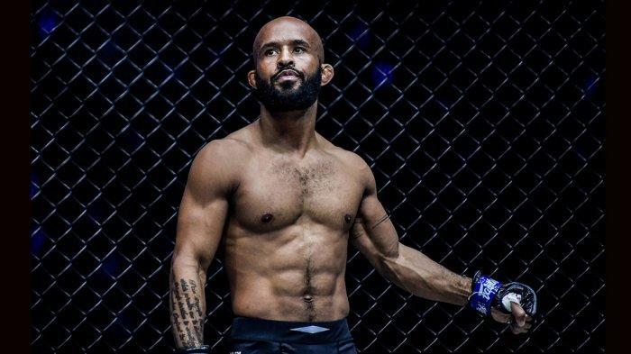 "Demetrious ""Mighty Mouse"" Johnson juara ONE Flyweight World Grand Prix Championship yang sebelumnya bertarung di UFC"
