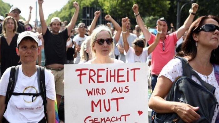 Ribuan Orang Jerman Demo Tolak Aturan Pembatasan Masa Pandemi Virus Corona