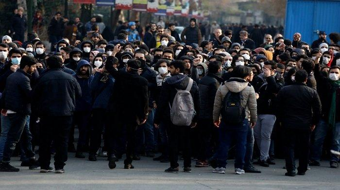 Aparat Iran Gunakan Cara Cabut Kuku dan Setrum terhadap Pendemo yang Ditangkap untuk Gali Informasi