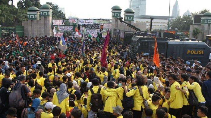 Panik Hadapi Demo Mahasiswa, Pengamat Politik Sebut Pemerintahan Jokowi Terlalu Ceroboh