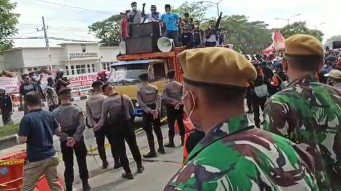 Polisi Kerahkan Pasukan Anjing Hadapi Potensi Kericuhan yang Beberapa Kali Terjadi di Suramadu