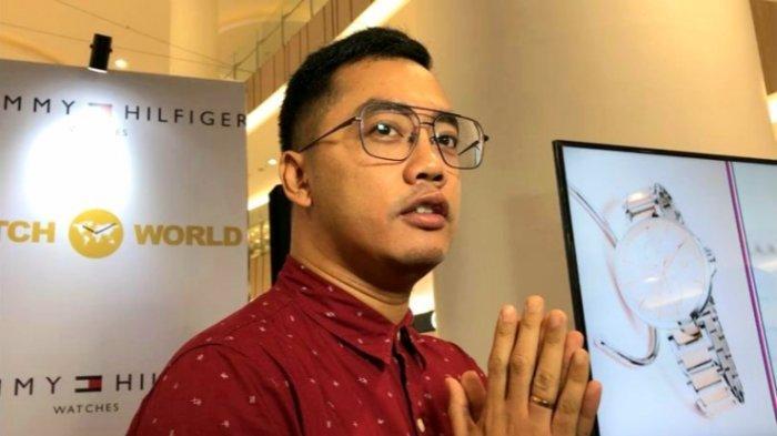 Senang Koleksi, Dennis Adhiswara Sering Alergi Jika Memakai Jam Tangan Harga Murah
