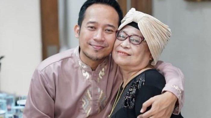 Denny Cagur Berduka, Ibunya yang Biasa Disapa Mamah Eny Meninggal Dunia