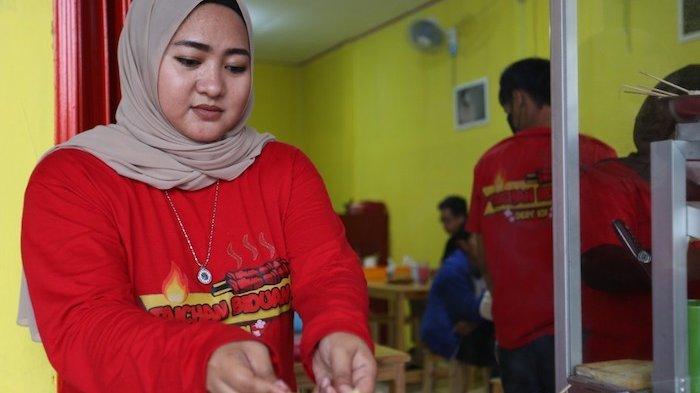 Dessy KDI Mantap Jualan Sate Taichan Biduan, Punya Resep Racikan Keluarga