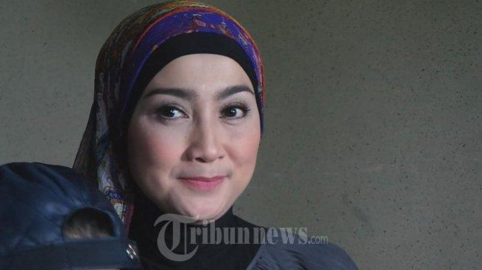 Desy Ratnasari di Bistronomy, Kebayoran Baru, Jakarta Selatan, Minggu (31/1/2016).