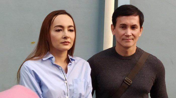 Sudah Berpisah, Dewi Razer dan Marcelino Lefrandt Tetap Berhubungan Baik Demi Anak-anak