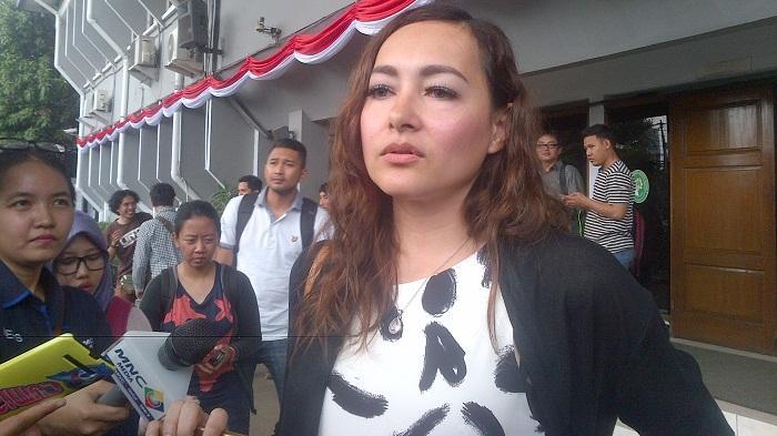 Dewi Rezer: Saya Diusir Bukan Meninggalkan Rumah!