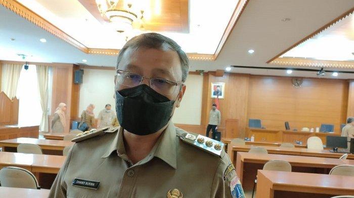 Wagub DKI Riza Patria Minta Wali Kota hingga RT RW Dorong Masyarakat untuk Vaksinasi