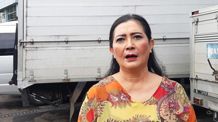 Kisah Dharty Manullang Saat Jadi Driver Taksi Online, Gunakan Masker Biar Nggak Dikenal Penumpang