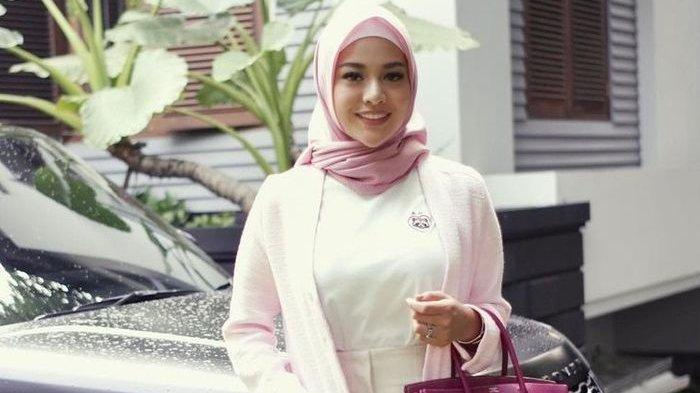 Aurel Hermansyah Memakai Hijab Setelah Dinikahi Atta Halilintar, Begini Harapan Krisdayanti