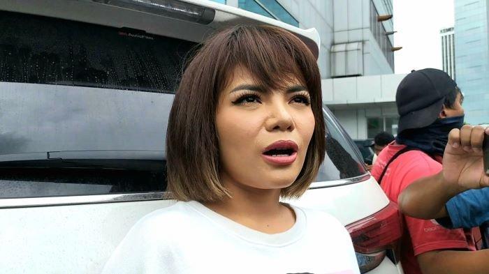 Dinar Candy di TransTV, Jalan Kapten Tendean, Mampang Prapatan, Jakarta Selatan, Rabu (13/1/2021).