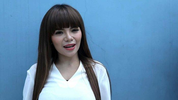 Dinar Candy Kaget dan Minta Maaf Program 'Rumpi No Secret' Dihentikan Sementara Setelah Ditegur KPI