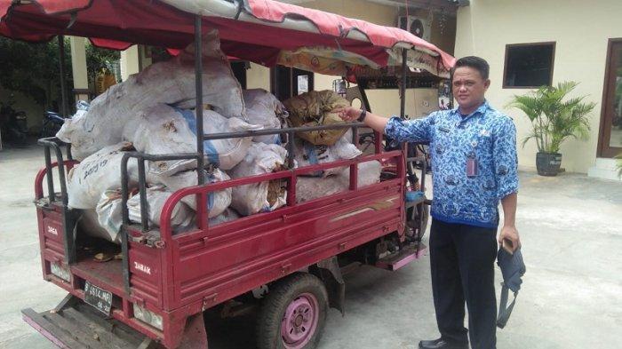Pelaku Pembuangan 20 Karung Tempurung Kelapa Terjaring OTT Sampah