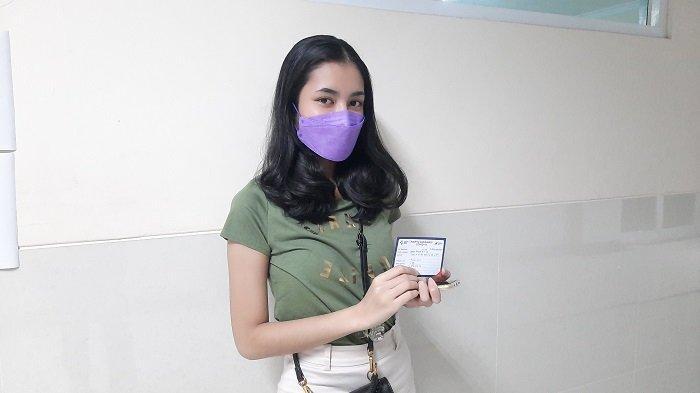 Ikut Vaksinasi Covid-19 Massal di Universitas Pamulang, Dinda Athifa Bagikan Pengalamannya di Medsos