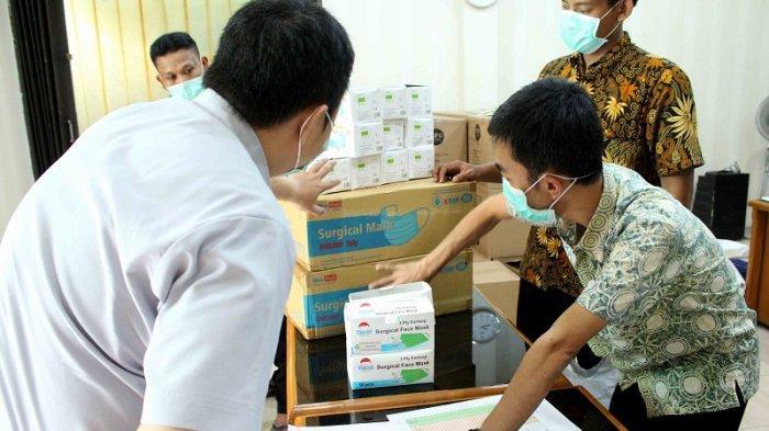 Sebanyak 1.145 APD dan 35 Ribu Masker Disebar ke Rumah Sakit di Tangerang