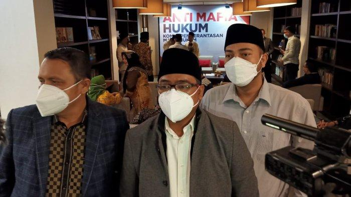 Bela Masyarakat Kecil Hadapi Mafia Hukum, Muannas Alaidid Dirikan Komite Pemberantasan Mafia Hukum