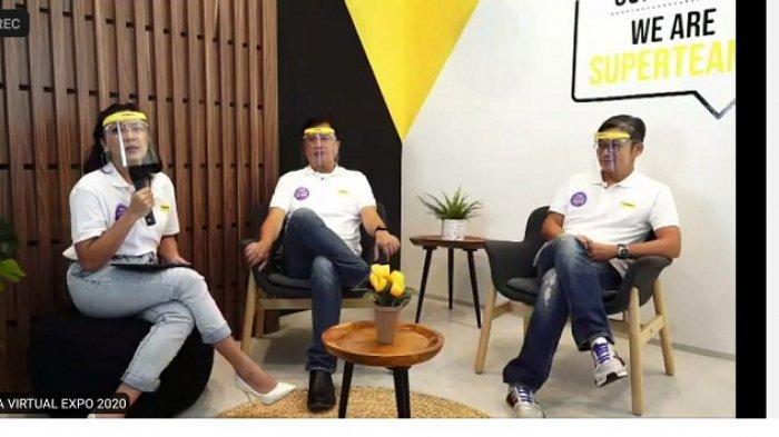 Direktur Portofolio Adira Finance Harry Latif (tengah) dan Direktur Penjualan, Pelayanan, dan Distribusi Adira Finance, Niko Kurniawan (kanan), saat konferensi pers virtual Sneak Preview Adira Virtual Expo 2020, Jumat (25/9/2020).