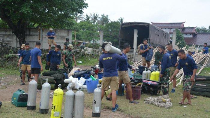 Tim Penyelam Dislambair Koarmada I Terus Mencari Black Box Pesawat Sriwijaya