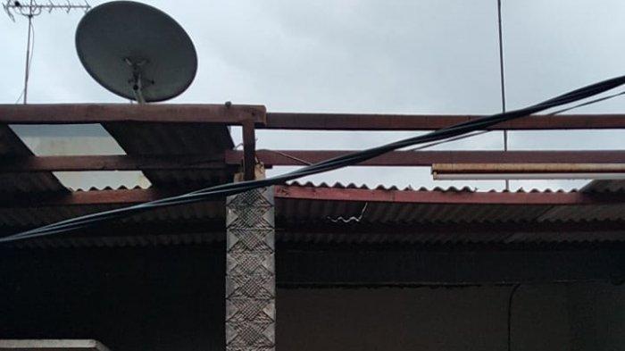 Mengerikan, Saat Mendung Selepas Hujan Angin Puting Beliung Muncul dan Memporakporandakan 25 Rumah