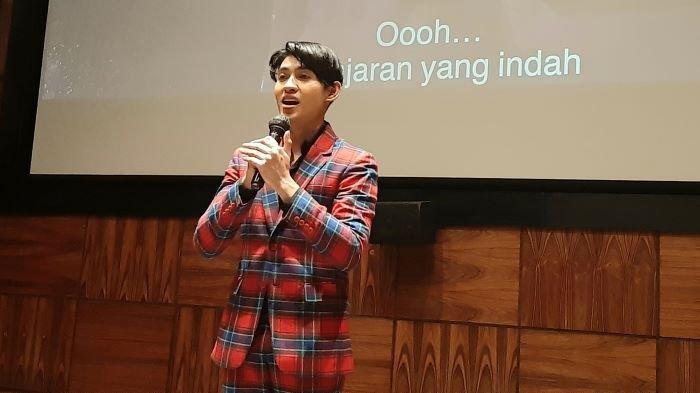 Div Ivangkia saat mengenalkan single perdana berjudul Pelajaran Hidup di Kemang, Jakarta Selatan, Jumat (19/2/2021).
